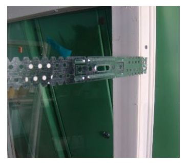 крепление анкерных пластин к окну